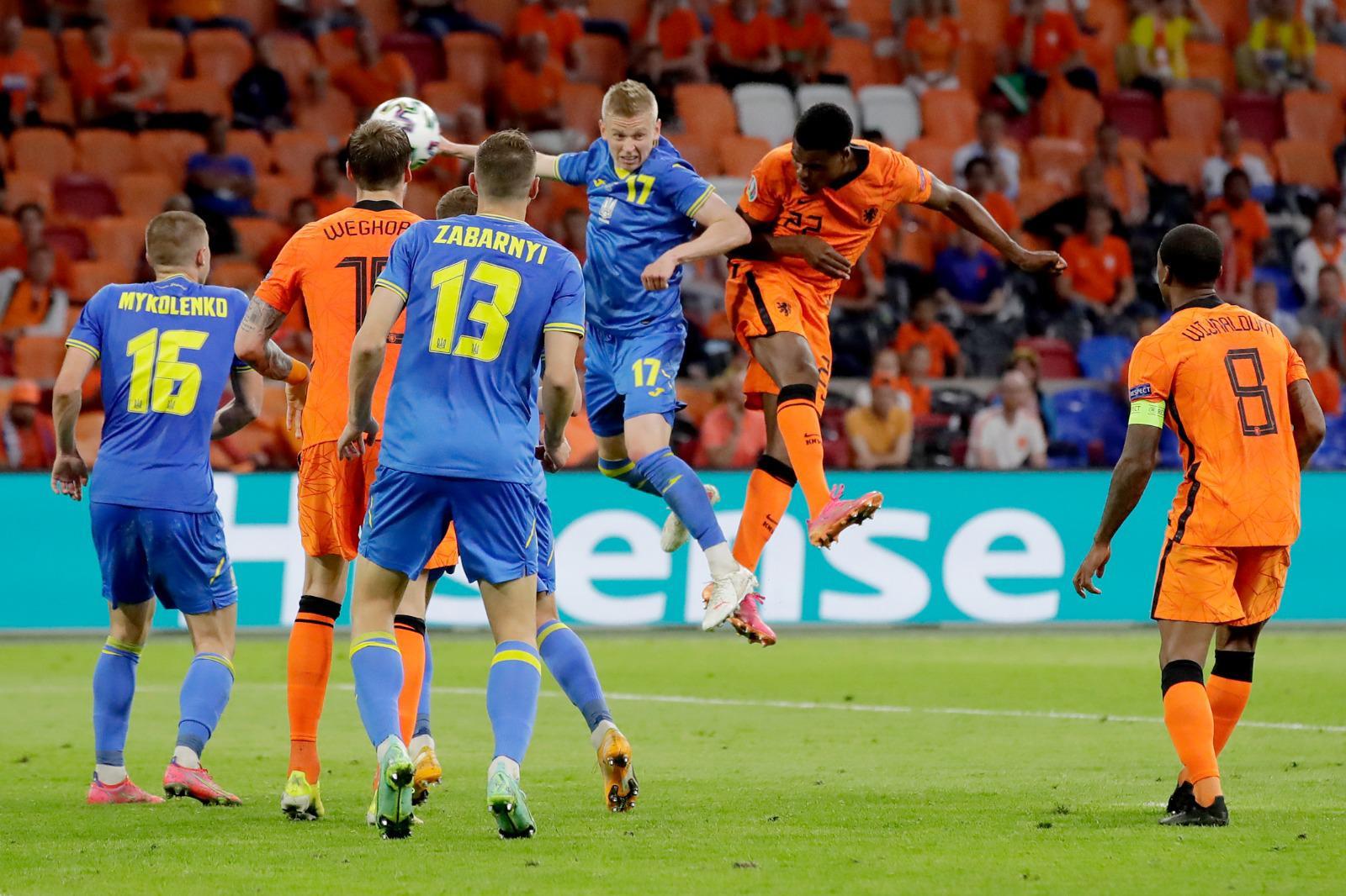 Spektakël në Amsterdam, 5 gola në një pjesë…